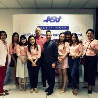 Seminario laserterapia MLS en la Kasetsart University - Bangkok (Tailandia)